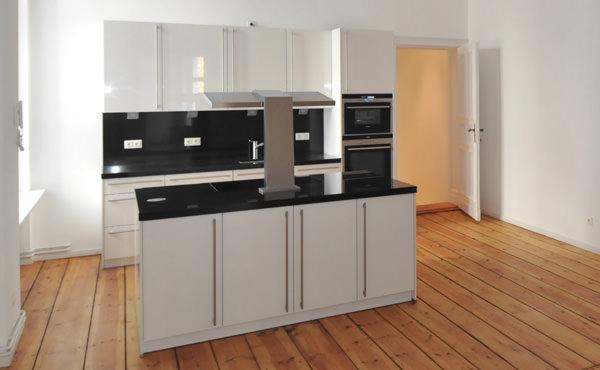 handwerker k chenaufbau tische f r die k che. Black Bedroom Furniture Sets. Home Design Ideas